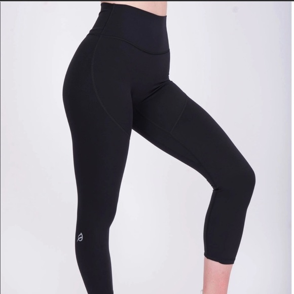 Khckcv1vl Lsm The kate legging is probably my favorite p'tula product to date! 2